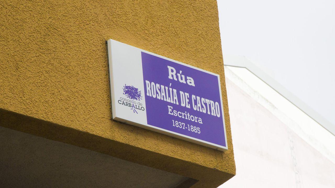 En Carballo se colocarán más placas violetas en las calles dedicadas a mujeres
