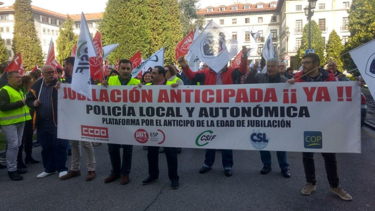 La Folixa, Gijón.Manifestación en Oviedo de policías locales