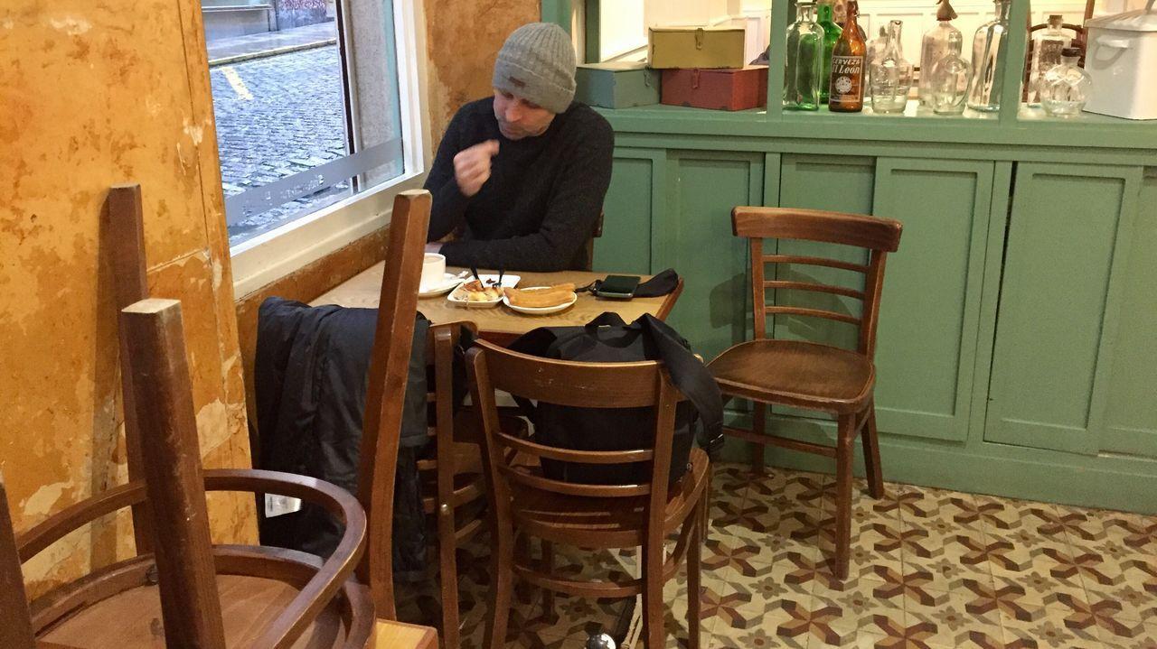 Abren las cafeterías en el barrio ferrolano de A Magadalena