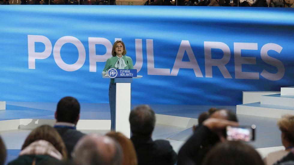 Cospedal sobre la corrupción: «En alguna ocasión no fuimos lo ágiles que la sociedad demandaba».Mercedes Fernández saluda a Dolores de Cospedal