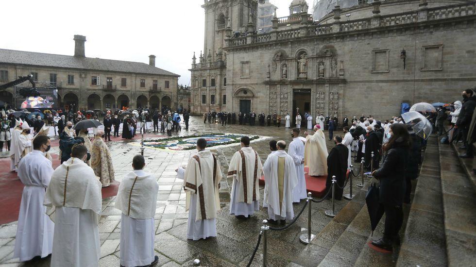 Acto de apertura de la Puerta Santa, que da inicio al año jacobeo
