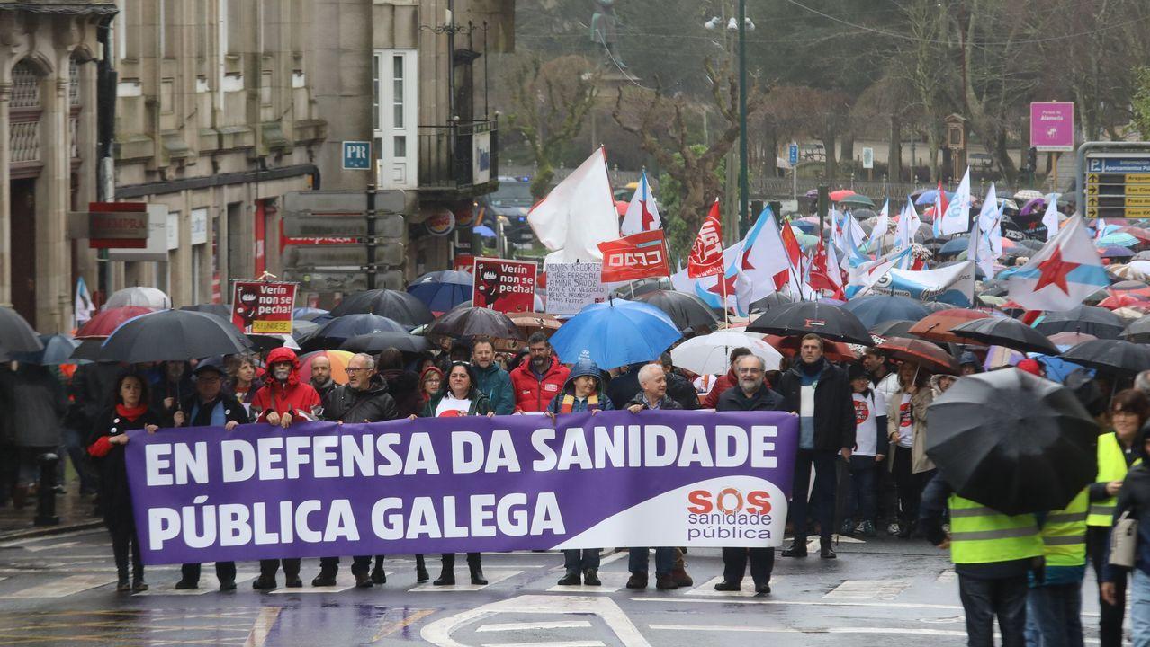 Manifestación en Santiago.Feijoo, tras postularse para las autonómicas