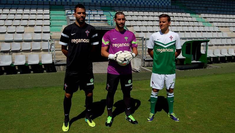 El Racing de Ferrol presenta las nuevas equipaciones para la temporada 2014-15