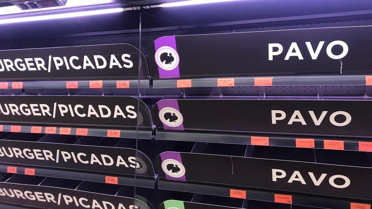 En este supermercado de Lugo, no quedaba ningún producto cárnico.