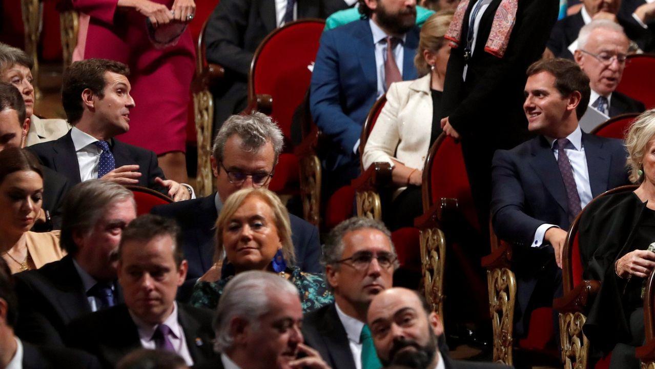 Los demócratas recuperan el Congreso ocho años después y los republicanos mantienen el Senado.Casado y Rivera en la entrega de los premios Príncipe de Asturias, el pasado 19 en Oviedo