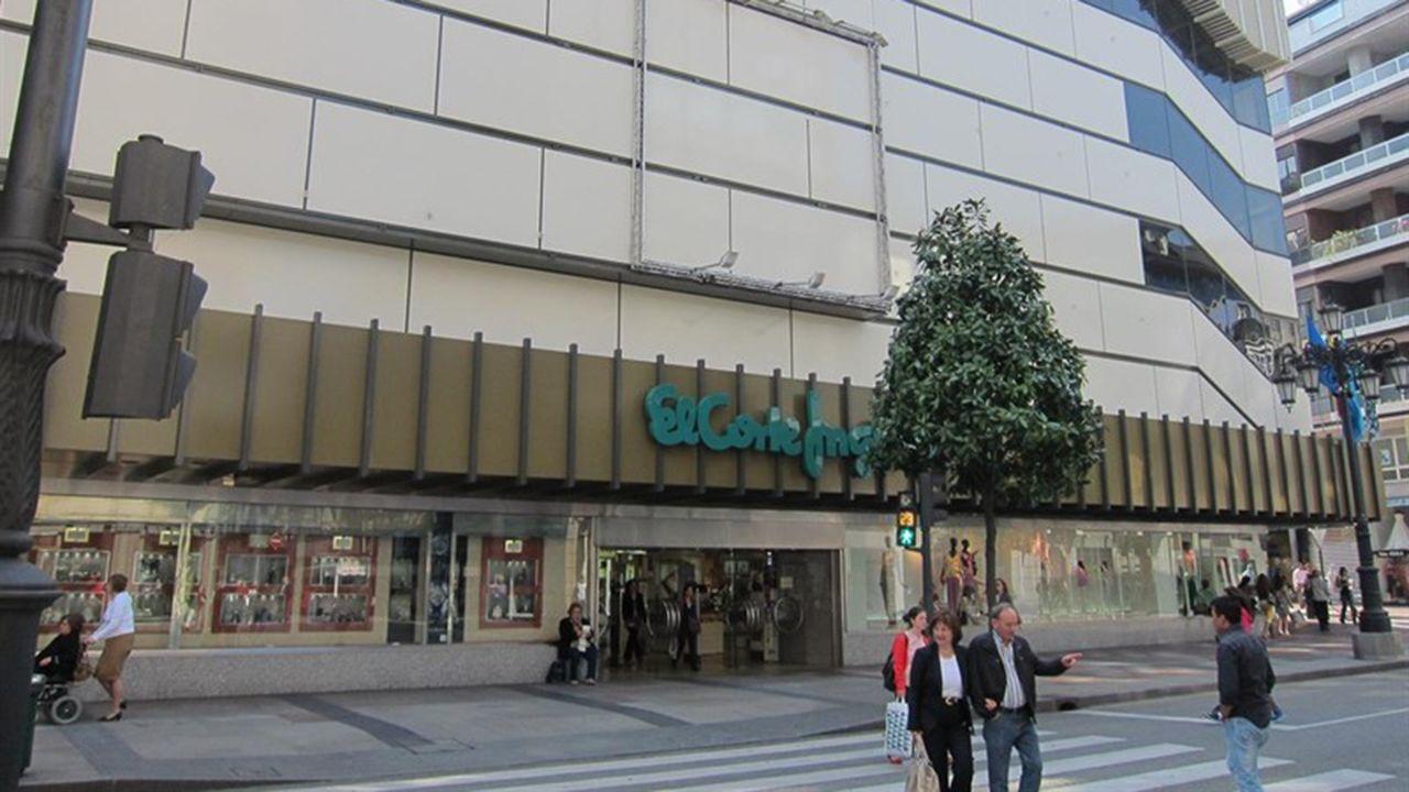 El corte de Gran Vía, aplazado hasta el día 8.El Corte Inglés de Oviedo