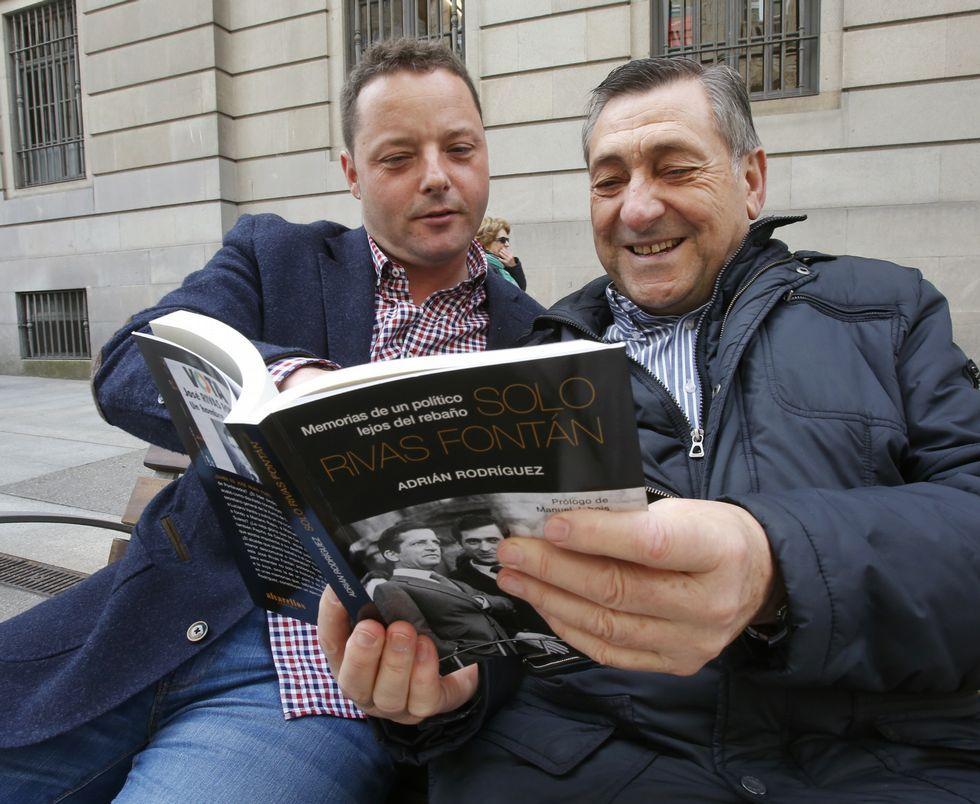 Adrián Rodríguez y Rivas Fontán, con la biografía del exalcalde, ante la Audiencia Provincial (arriba). El político, con Mariano Rajoy en un desfile de la Peregrina y con el periodista Joaquín Prats, bajando de un helicóptero.