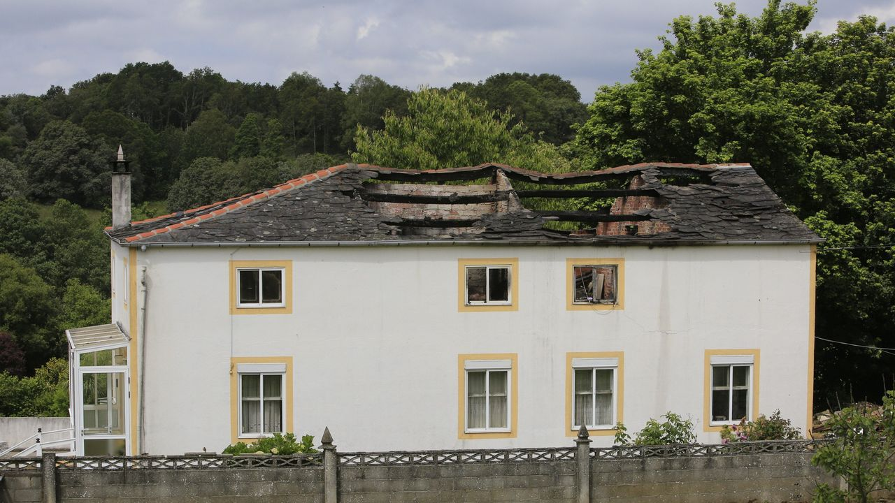Lugares para visitar en Lugo en un día gris.La cubierta fue la parte de la casa más dañada por el incendio