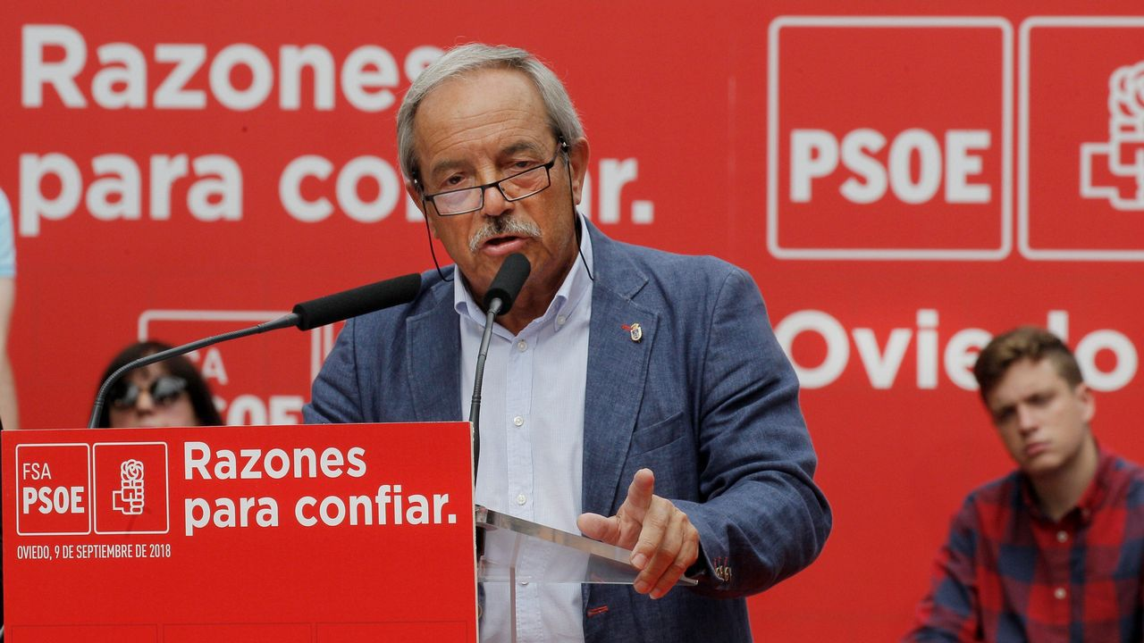 El alcalde de Oviedo, el socialista Wenceslao López, ha anunciado hoy su intención de optar a la reelección en las próximas elecciones municipales por su 'amor a Oviedo y al socialismo'