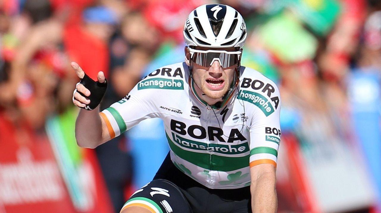 El ciclista irlandés del equipo Bora, Sam Bennett, se ha proclamado el vencedor de la decimocuarta etapa de la 74 Vuelta a España 2019, con salida en la localidad cántabra de San Vicente de la Barquera y meta en Oviedo, con un recorrido de 188 kilómetros