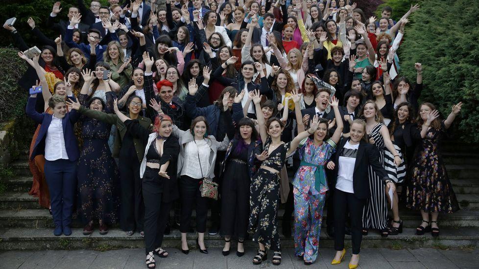 Todas las imágenes de la selectividad en Galicia.La graduación de bachillerato es una fiesta en la mayor parte de los centros