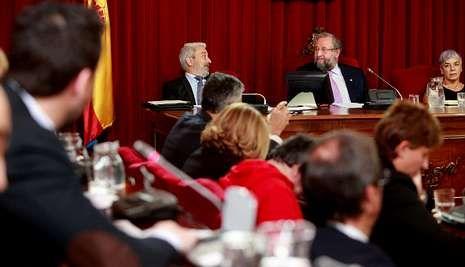 Momento del pleno celebrado ayer en el que se aprobó la venta de acciones del CD Lugo.