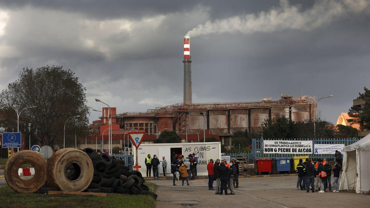 astilleros Vigo.El campamento montado a la entrada de la fábrica, a mediados de octubre