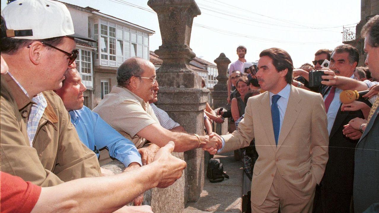 Casado renueva cúpula y le cierra a Sánchez todas las puertas.Adrián Barbón en la bonitada socialista Tapia de Casariego