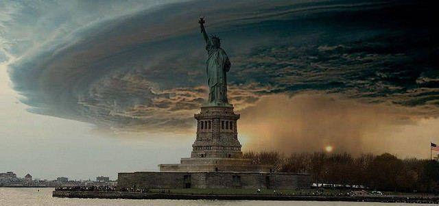 El paso del Sandy, en directo.El fotomontaje que circuló hoy por Internet.