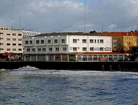 Los dueños del hotel Maxi optaron por derribar el edificio ante la imposibilidad de reabrirlo.