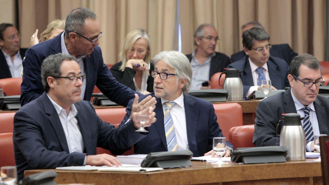 De izquierda a derechea: Pere Macias, Josep Sanchez Llibre y Jordi Jane, diputados de la antigua Convèrgencia