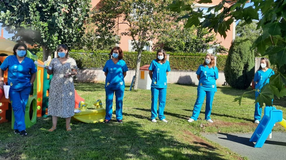 Enfermos de ELA, familiares y voluntarios que realizan el Camino Francés a Santiago desde Sarria
