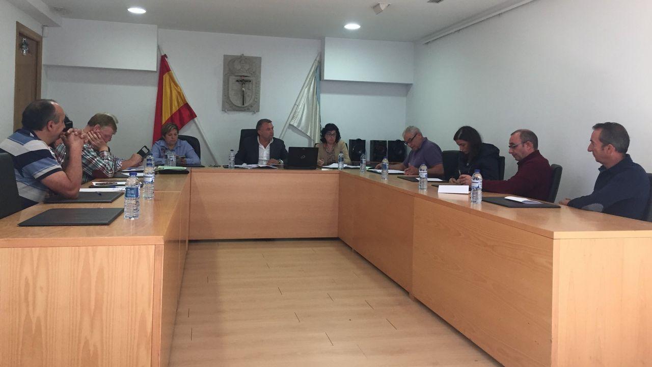 Javier Rodríguez Medela, Alberto Núñez Feijoo y Manuel Varela, en el mitin de Chantada