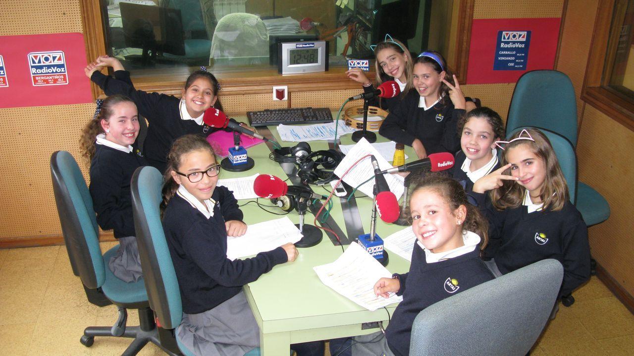 Más grupos participan en el concurso escolar de teatro leído del FIOT. Esta semana, en Radio Voz, se emitió la obra «Aventuras e desventuras dunha espiña de toxo chamada Berenguela», del grupo As Teloneiras, del CPR Artai.