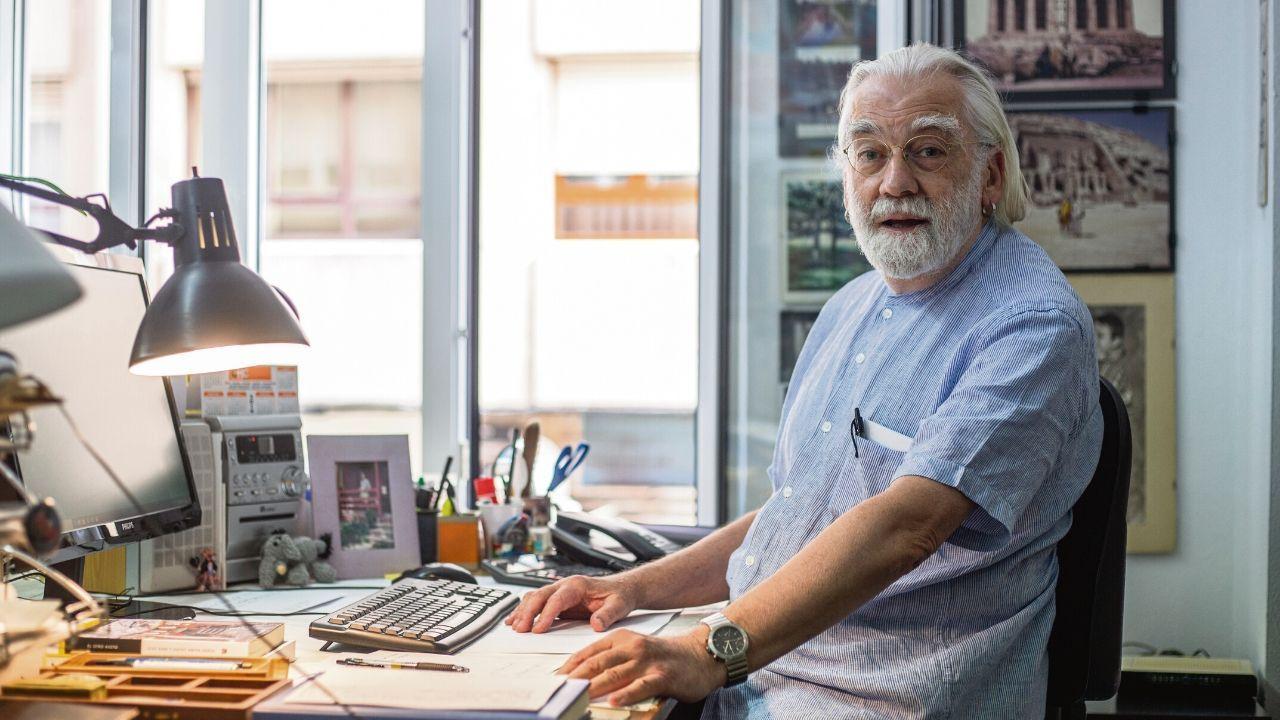 Vicente Díez Faixat, en su estudio de arquitectura
