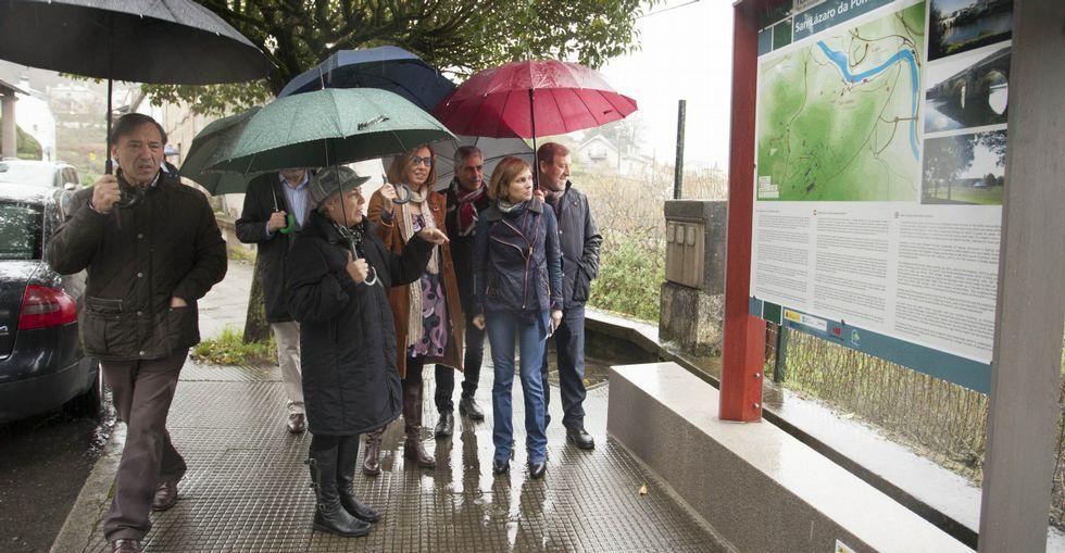 Uno de los nuevos paneles instalados en las parroquias del municipio de Lugo.