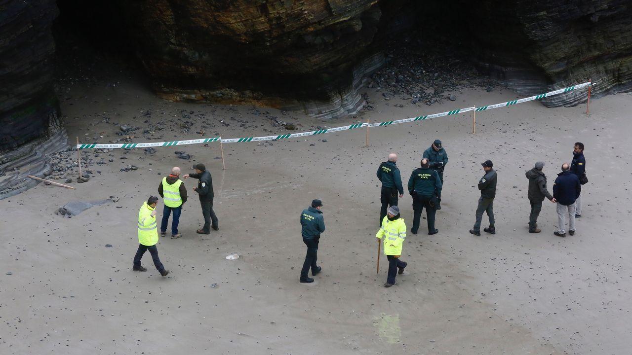 Un informe de la Xunta avisaba hace 5 meses de la inestabilidad de los acantilados.Los visitantes volvieron ayer a la playa de As Catedrais, pero no pudieron acceder a las grutas