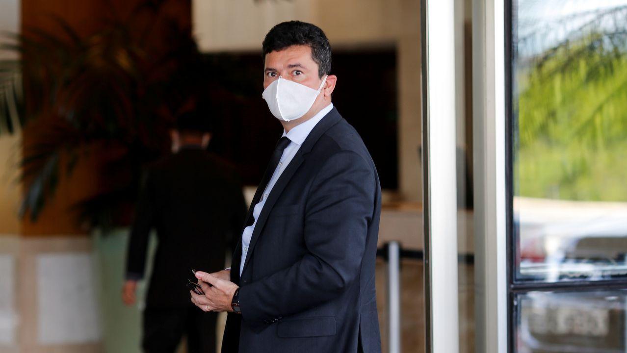 62 entierros en 12 horas.El exjuez y exminitro Sergio Moro, a su llegada este martes a una reunión en el cuartel general de la Policia Federal
