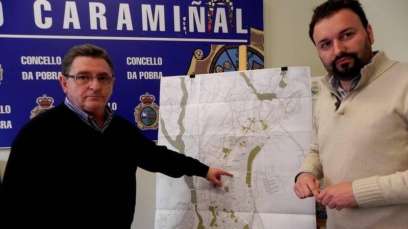 PROCESION NAZARENO.Aaron Hernández, a la izquierda