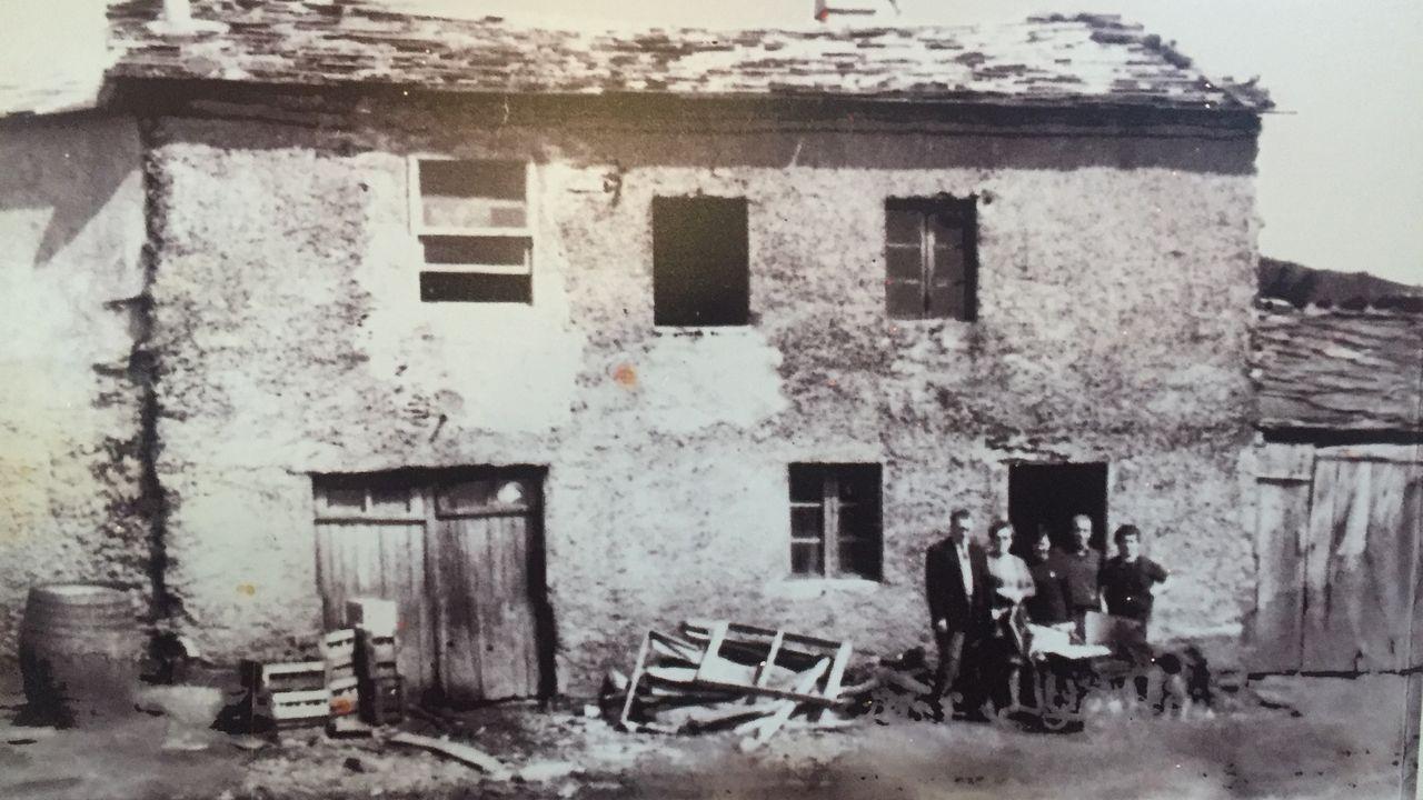 Los orígenes de Casa Aira Padrón son de hace un siglo como cantina que daba servicio a la comarca de Samos y O Courel