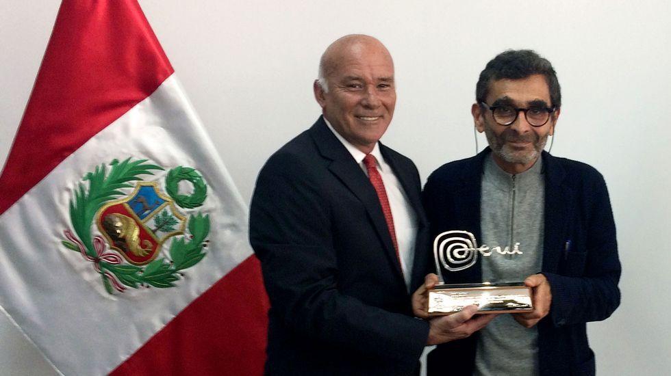 Adolfo Domínguez experimenta el mayor aumento de ventas en seis años.Luis Tosar, en la campaña de Adolfo Domínguez.