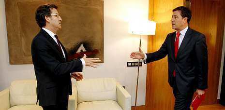 Los partidos que lideran Feijoo y Besteiro piden prudencia para no emitir <span lang= gl >«xuízos paralelos»</span>.