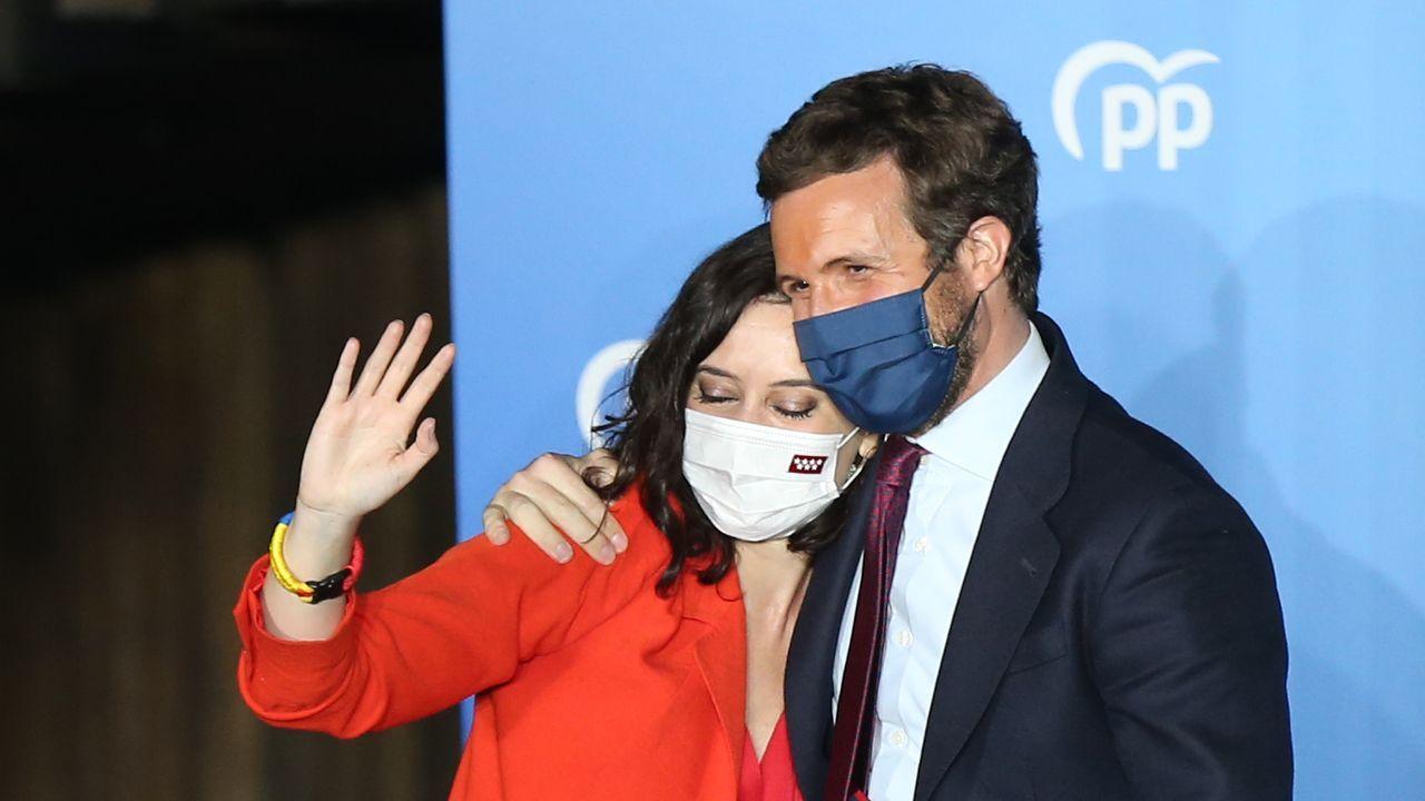 Pablo Iglesias: «Dejo todos mis cargos, dejo la política».Díaz Ayuso fue recibida hoy con aplausos a su llegada al Comité Ejecutivo Nacional del PP