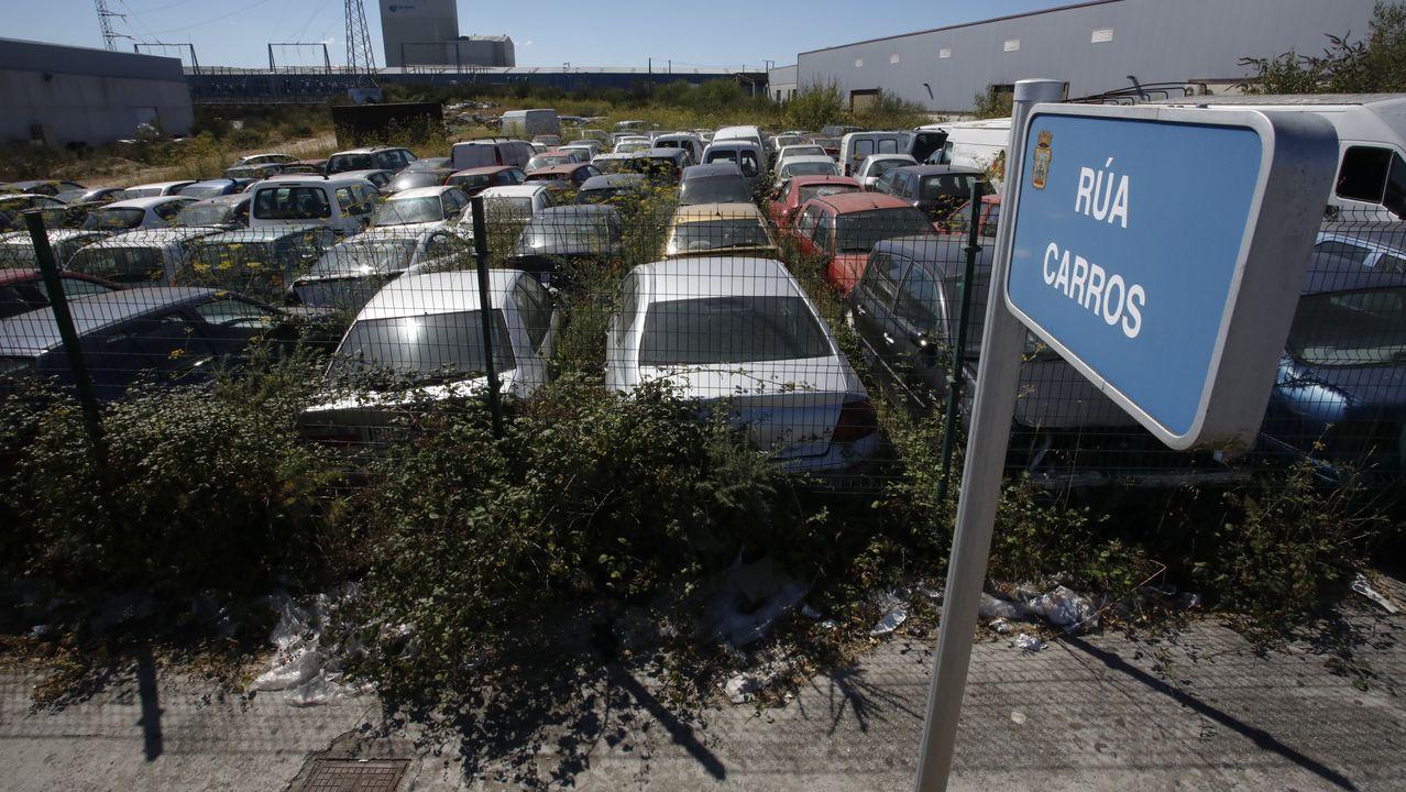 El deposito municipal de Lugo es el primer destino de los coches abandonados que retiran de la calle. Luego van al desguace