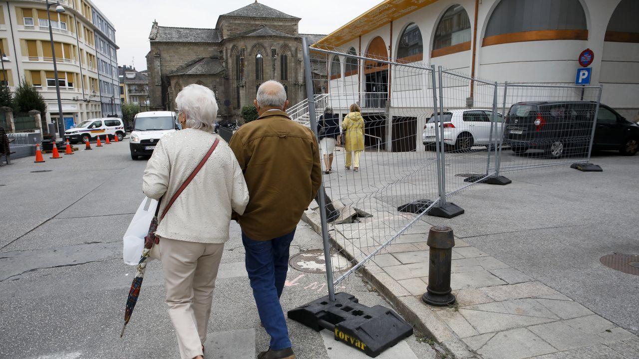 Los sepultureros del Cementerio Municipal de San Froilan cuentan su experiencia durante la pandemia de la Covid19.Las obras de peatonalización de Quiroga Ballesteros comenzaron este lunes y se prolongarán durante diez meses, en tres fases