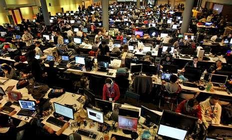 Los mejores momentos.Durante 72 horas, el Pazo de Congresos compostelano será una gran sala de máquinas.