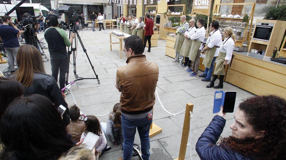 Numeroso público asistió á gravación da competición, que se fixo ao aire libre en pleno centro de Monforte