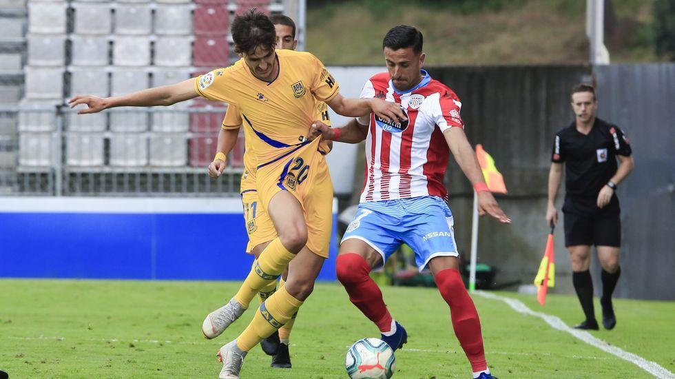 Joselu Real Oviedo Elche Carlos Tartiere.Saúl Berjón, durante el partido frente al Lugo