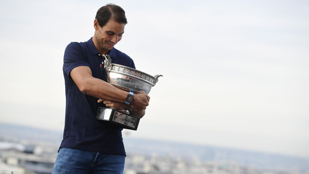 Fernando Vázquez: «<span lang= gl >Hai grandes xogadores, e hai grandes entrenadores en tódolos equipos de Segunda B</span>».Los trece Roland Garros de Rafa Nadal