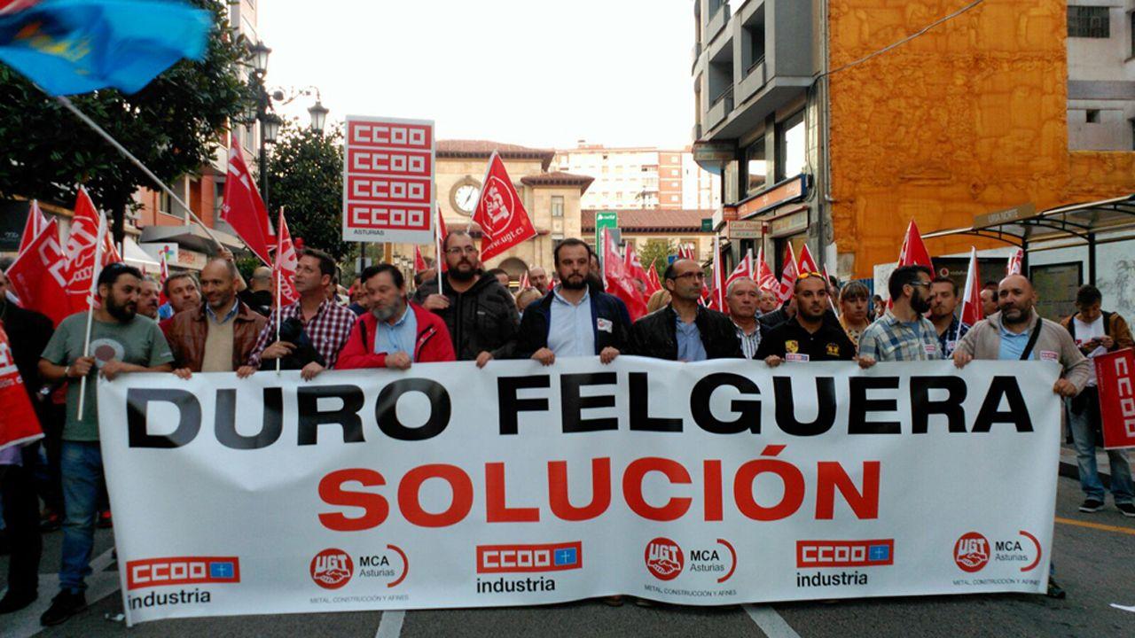 Manifestación de los trabajadores de Duro Felguera en Oviedo.Sede madrileña de Duro Felguera
