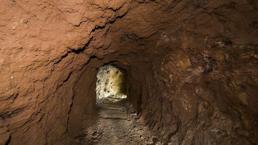 Una chimenea o respiradero de la mina