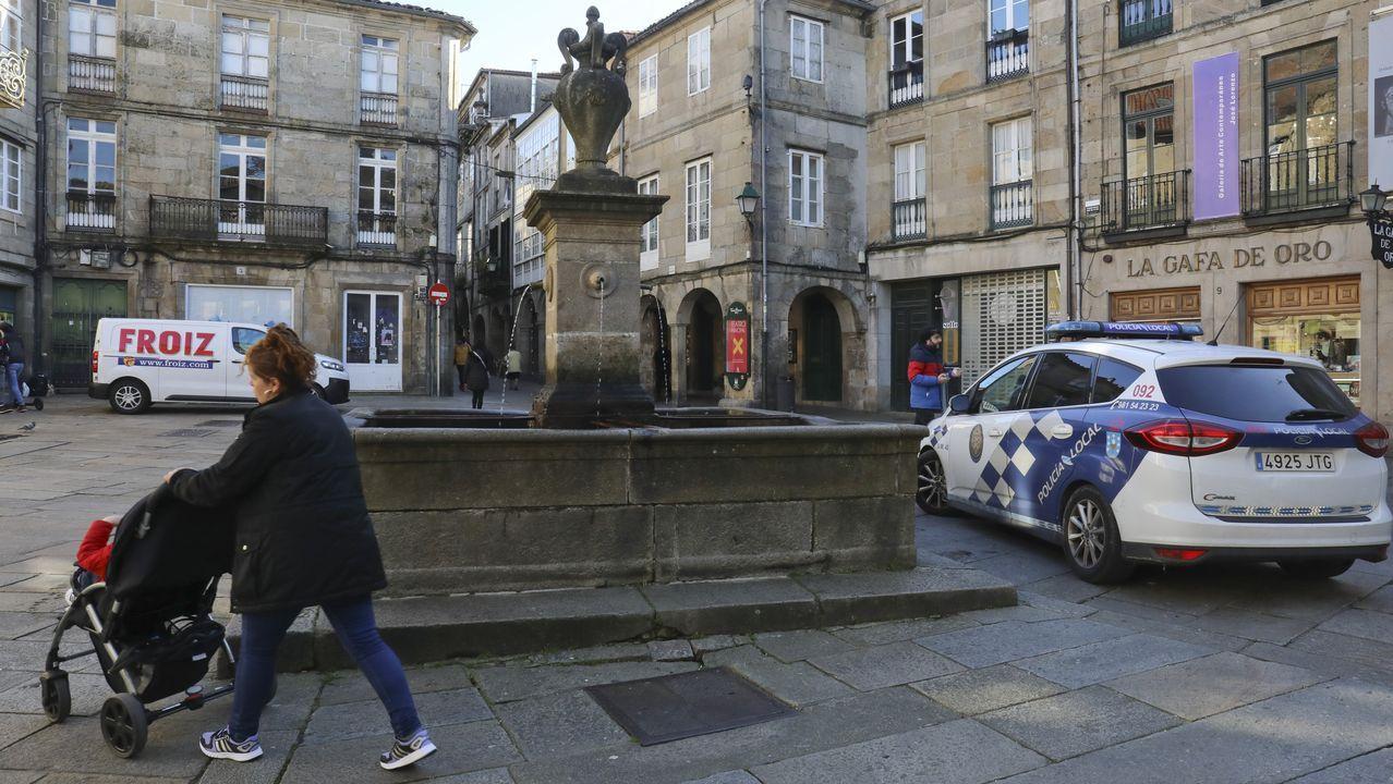 «Compostela, un ano de Voz».La Policía Local patrulla casi todos los días en O Toural para prevenir conflictos