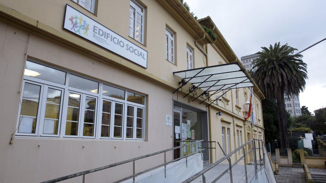 Chalé com edificicaciones anexas situado en la zona de Cabo Leiras, en Mugardos, a la venta por 1.150.000 euros