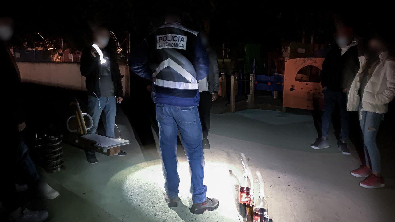 Policía Local Langreo.Control del ocio nocturno por el covid de la Policia Autonómica