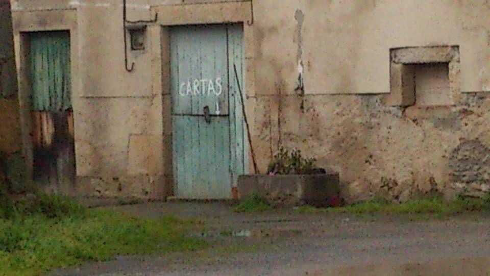 Buzón económico anticrisis.Palleira último modelo, con acceso directo a través de ascensor Lugar: Casasoá, Maceda (Ourense) Data: 23 de Agosto de 2013