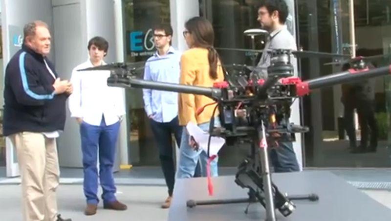 Dea Drones, una idea viguesa.Simulacro de rescate en una playa de Arousa