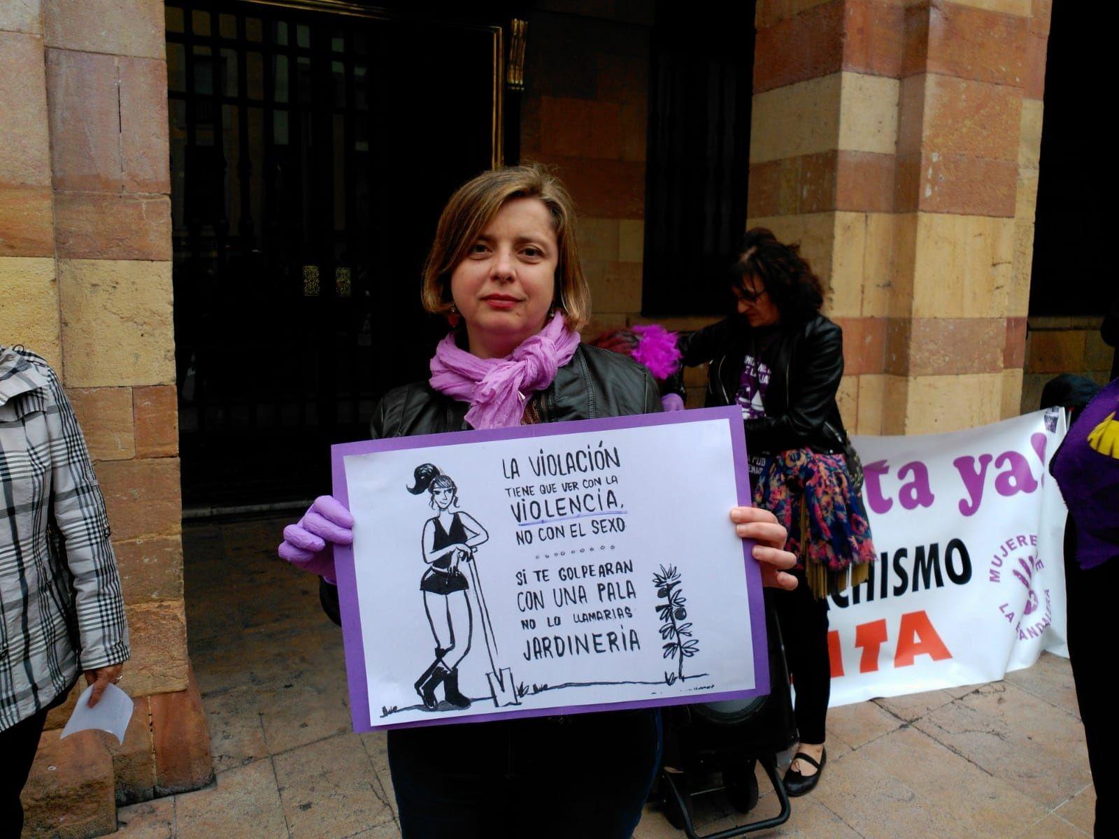 Ana Taboada. Manifestación feminista 16M en Oviedo