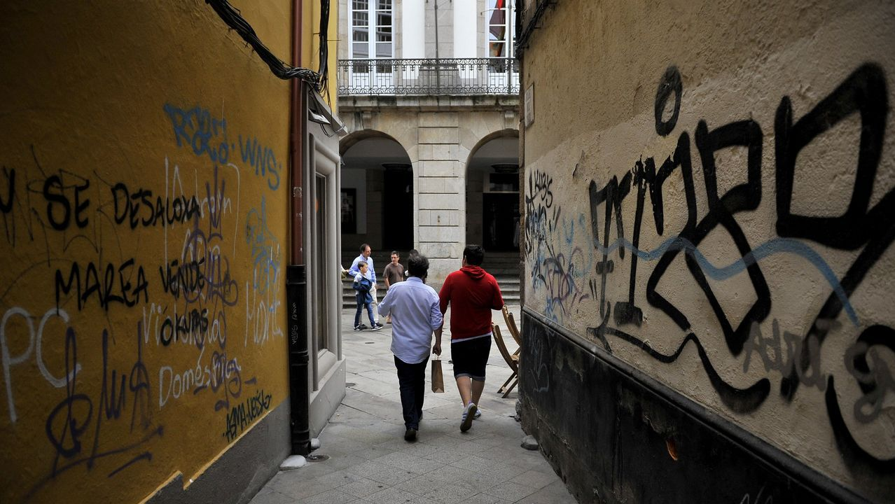Pintadas próximas a la Calle Real de A Coruña en agosto del 2018
