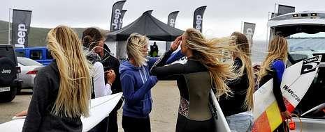 Las imágenes del Pantín Classic 2014.La lluvia deslució un poco la competición para los aficionados aunque el tamaño de las olas benefició al espectáculo.