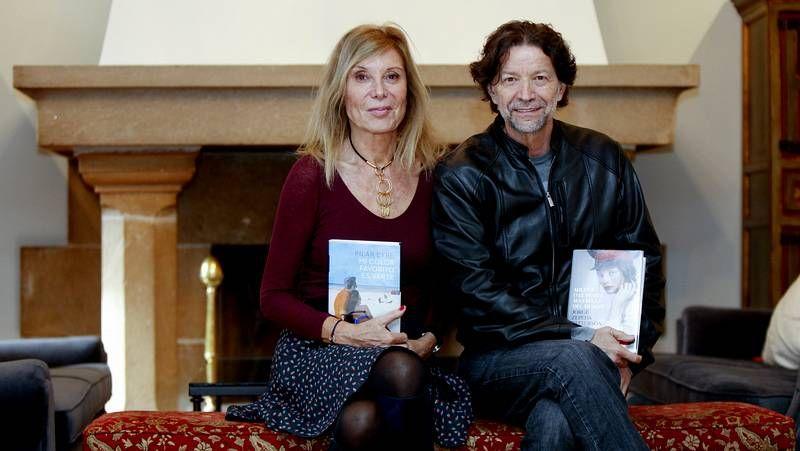 Cristina Fernández Cubas.Solar, á esquerda, recibiu o premio canda Maite Muturberria.